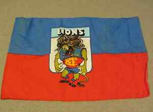 VINTAGE-70-039-s-VFL-FITZROY-LIONS-FOOTBALL-CLUB-CARICATURE-FLAG-AFL-COLLECTABLE