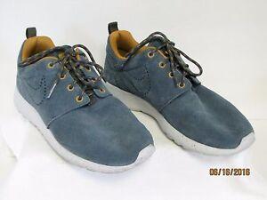 EUC Nike Rosherun Ladies Suede Army Blue & Gold Tennis Shoes 616747-400 Size 6.5
