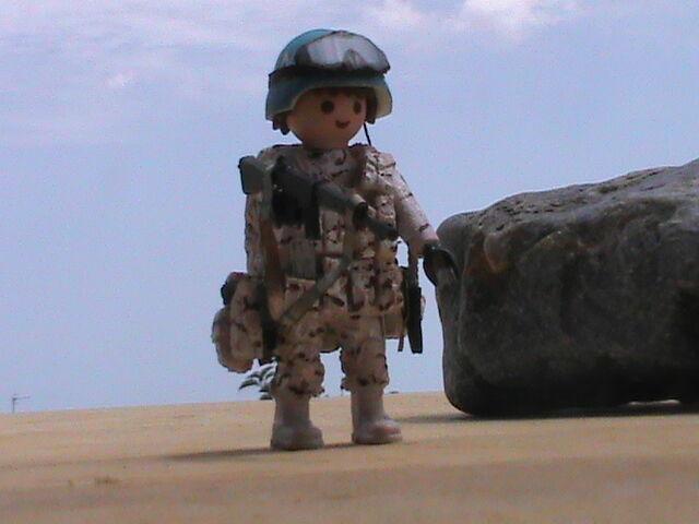 PLAYMOBIL CUSTOM SOLDADO ESPAÑOL (ONU)(AFGANISTAN-2016) REF-0001 BIS