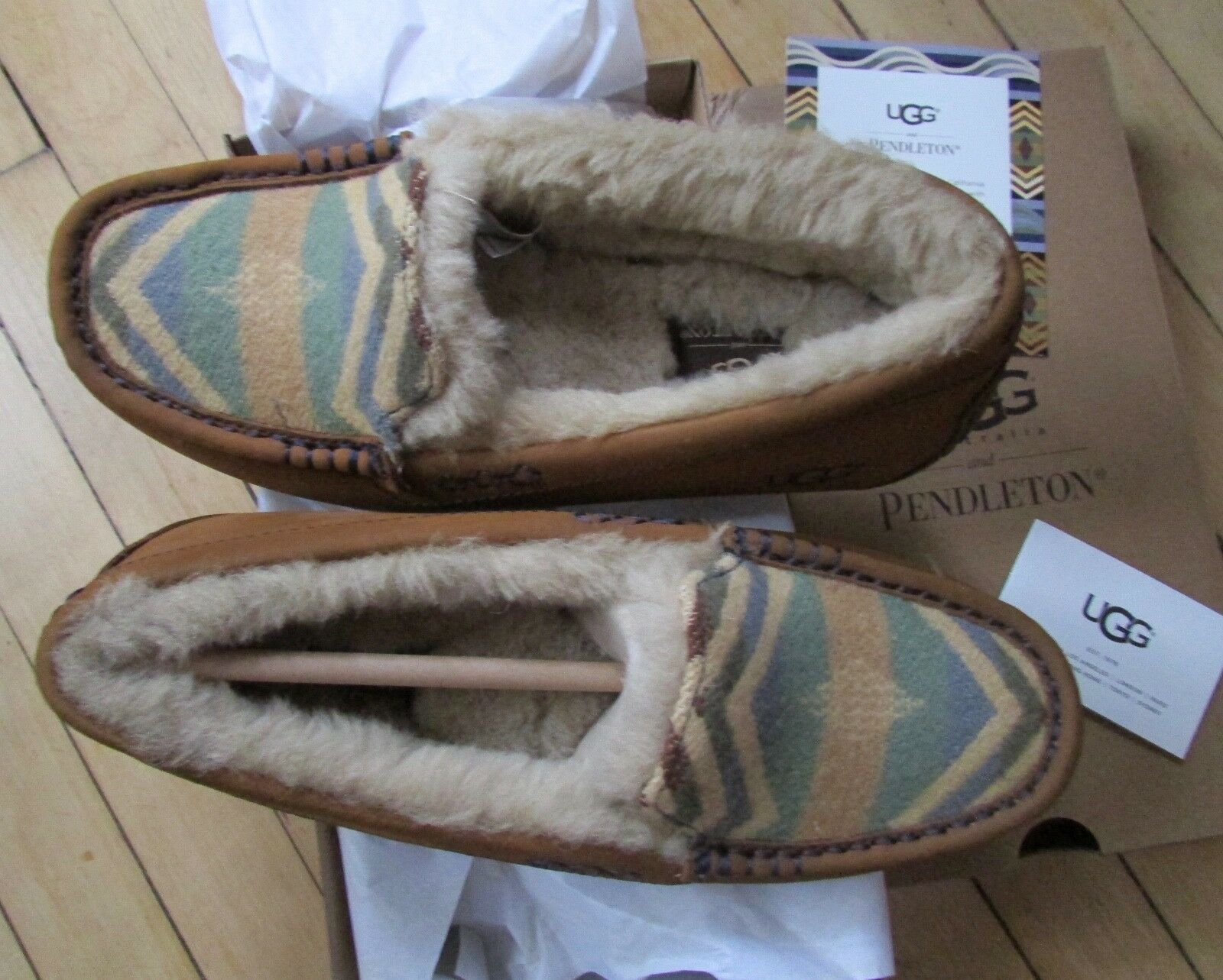 UGG Slipper Shoes Pendleton Ansley Loafer Convient à La Taille 6.5-7 NEUVE 140 $