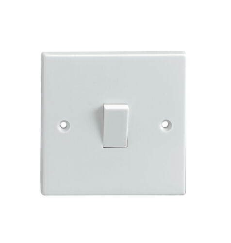 pack of 2 x LIGHT SWITCHES and 19mm surface boxes 1 GANG 2 WAY 230V 10 AMP WHITE