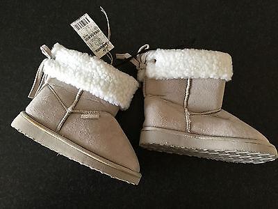 BNWT Little Boys Sz 11 Rivers Doghouse Brand Short Smart Black Slipper Boots