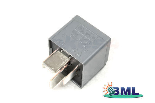 LR DISCOVERY 3 2005 TO 2009 SUSPENSION COMPRESSOR RELAY PART YWB500220
