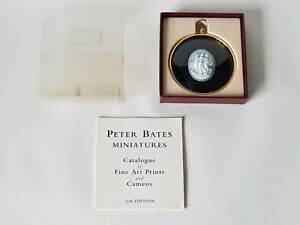 Rare-PETER-BATES-The-Three-Graces-BLUE-Boxed-Complete-EXCELLENT-CONDITION