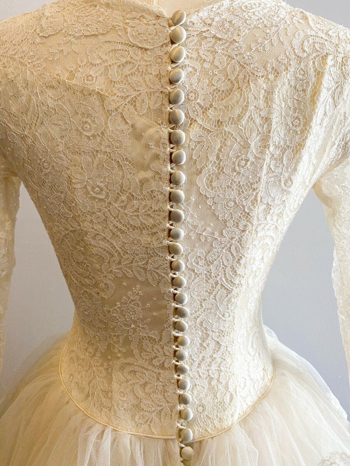 1950's Vintage Wedding Dress Lace w/Juliet Cap & … - image 8