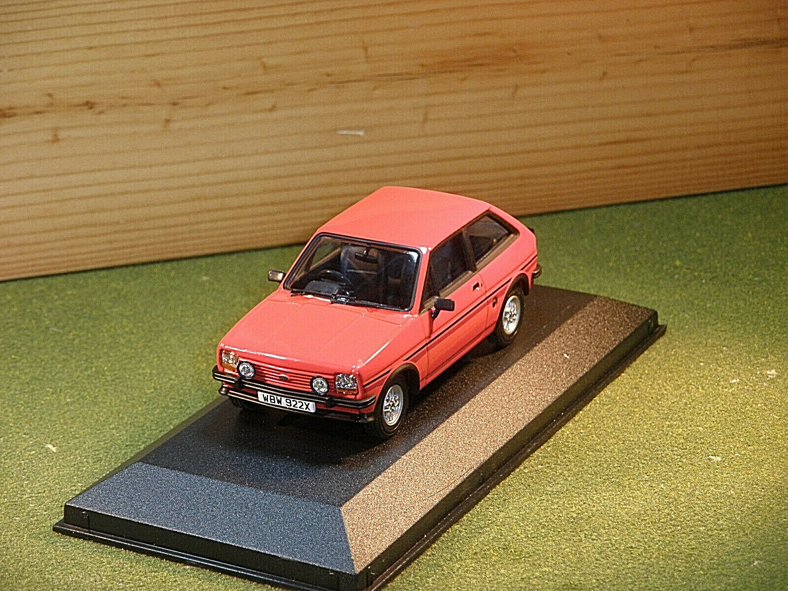 Vanguards Ford Fiesta Supersport in Red 1 43rd scale VA12510