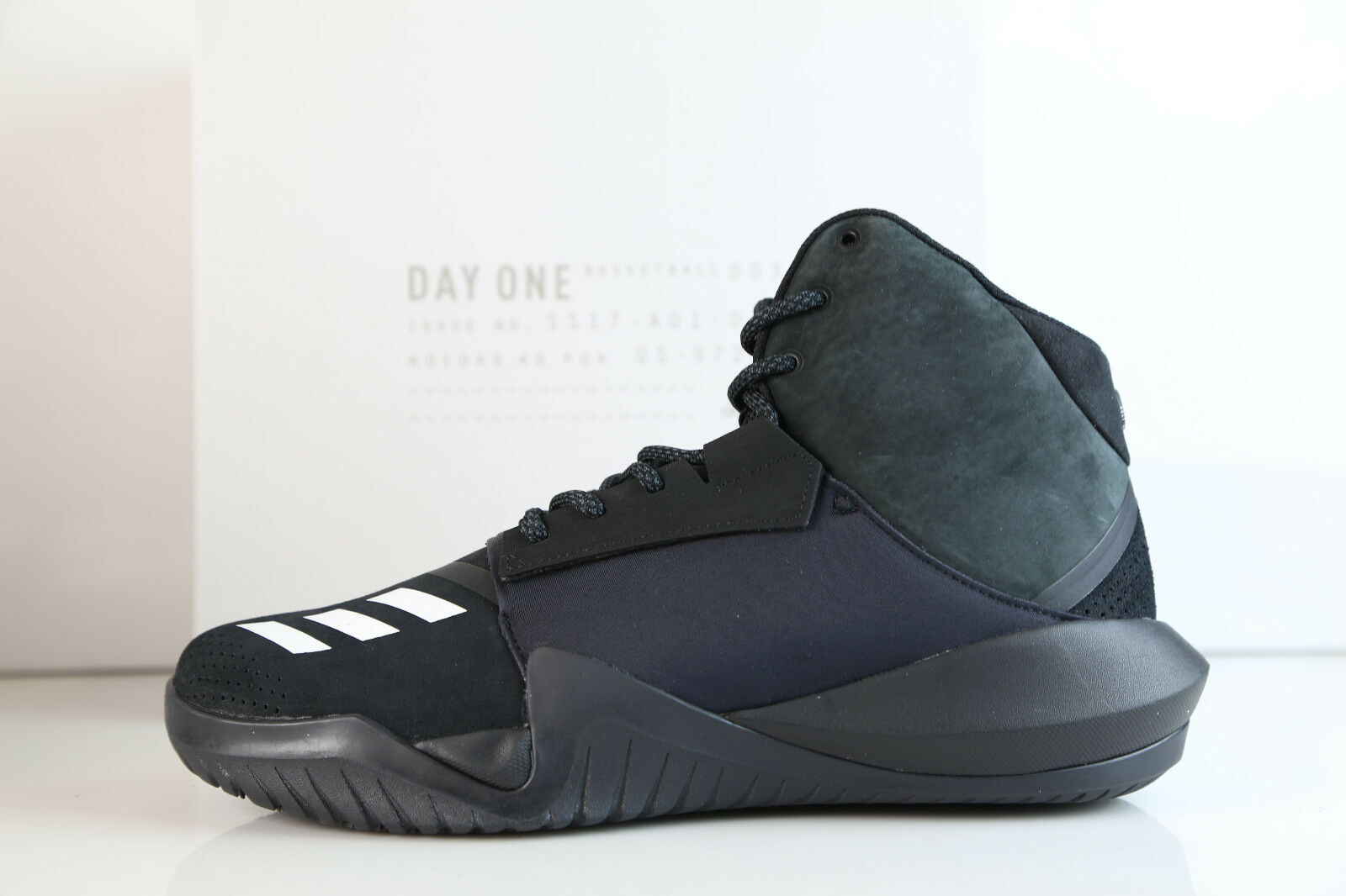 Adidas x tag lärm verrückt team schwarz - weiß - by2870 7-13.5 auftrieb - basketball