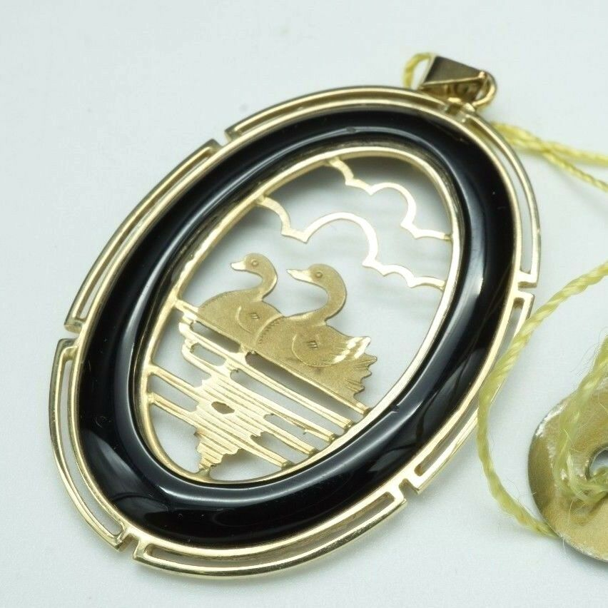 By the Sea   Handcrafted In Korea   14K Oval Swan Pendant   1.5  X 1 (4g)