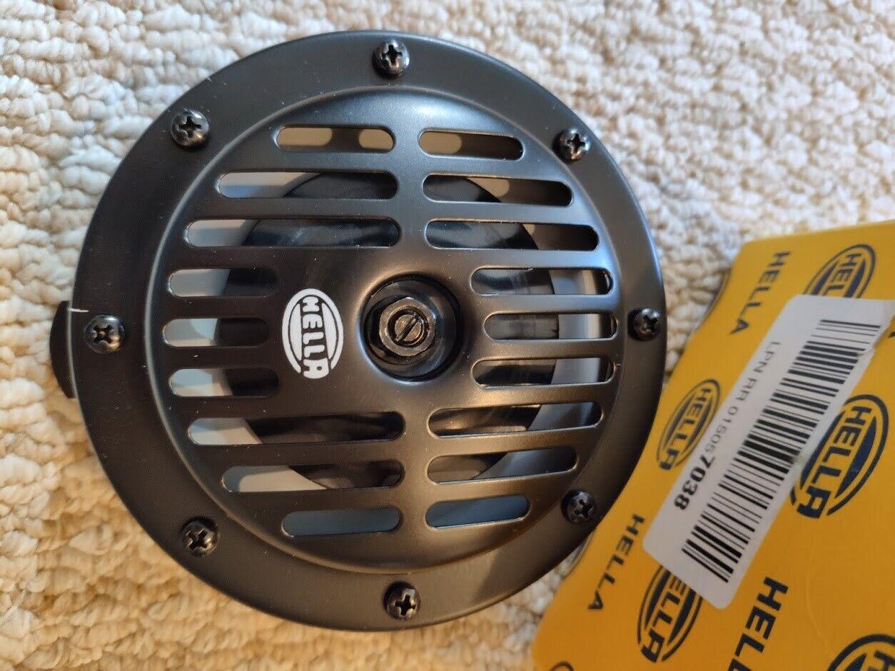 HELLA Low Super Tone Electric Horn DL50 Black 12V 310Hz 72W 114dBA 3CA004811-001