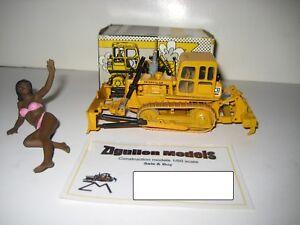 Bien Informé Caterpillar D 4 Bouteur Pacman Logo Ripper #121.4 Nzg 1:50 Neuf Dans Sa Boîte-afficher Le Titre D'origine Les Clients D'Abord