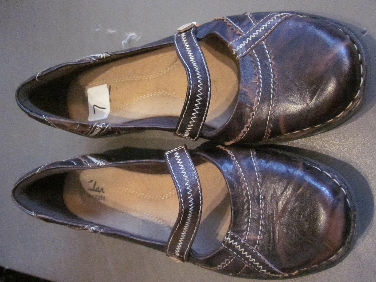 EUC!  CLARKS WOMENS LEATHER BROWN SIZE SLIP ON  SHOES SIZE BROWN 7M 45f7e9