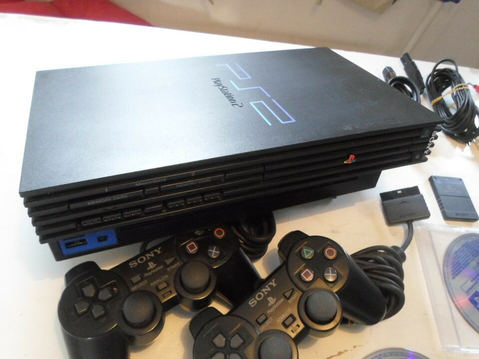 Playstation 2, SCPH 3004, God