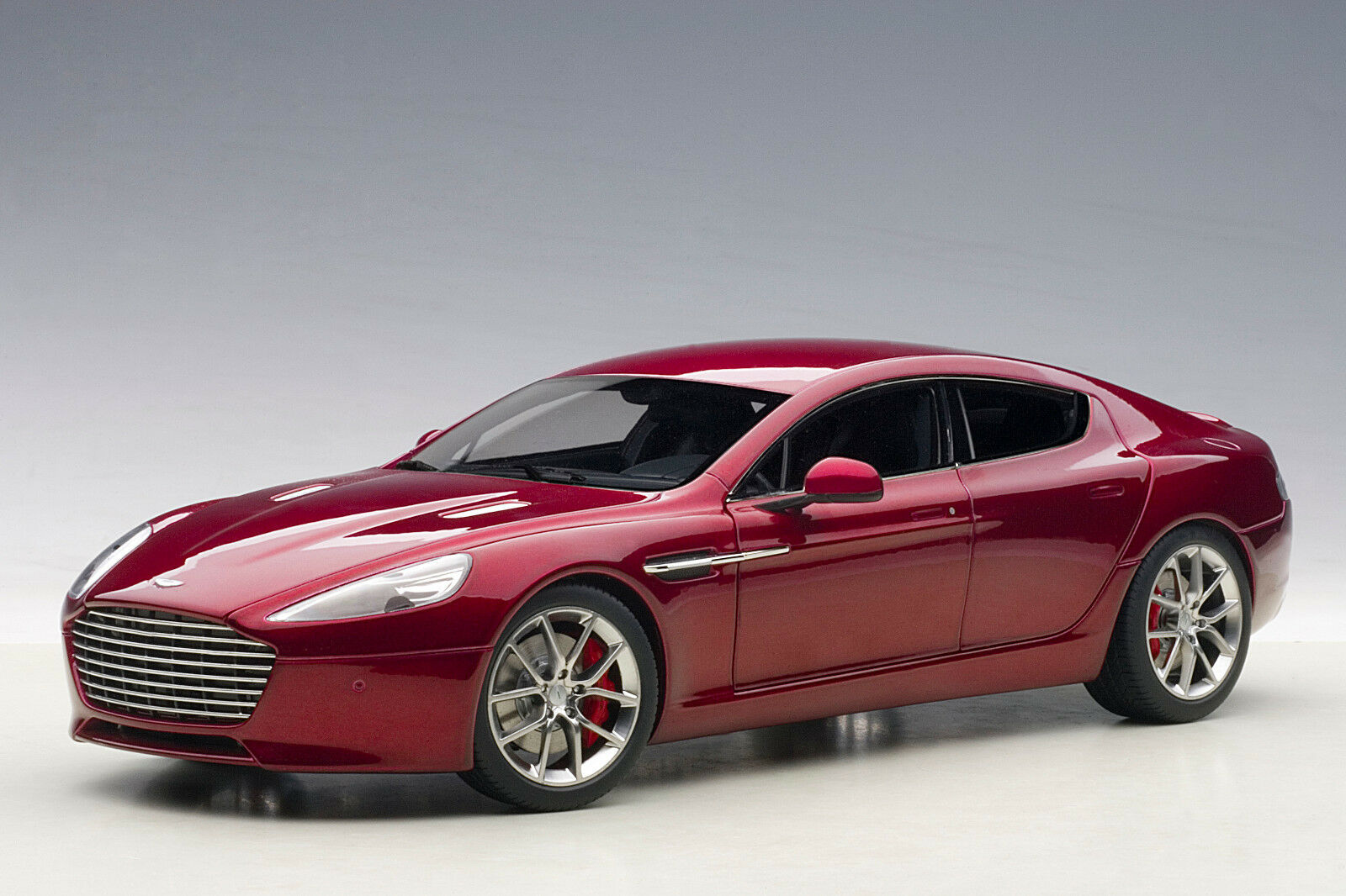 AUTOart 70257 Aston Martin Rapide S 2015 - red (diavolo red)  1 18 NEU OVP