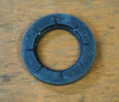 Briggs /& Stratton OEM Oil Seal #495307S