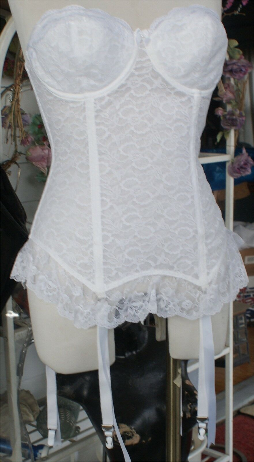 NWT WHITE LACE GARTER  GODDESS  BUSTIER BRA COSTUME DANCER SIZE 32 C FANCY  SEXY