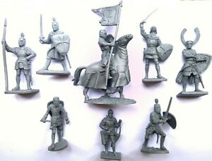 Crusaders-1-7infantry-1rider-Soft-plastic-rubber-soldiers-8pcs-60-90mm
