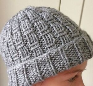 Image is loading Easy-knitting-pattern-chunky-hat-Over-the-Line 1530a58a32e