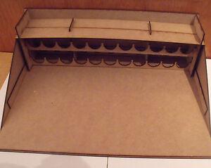 peinture station mod le de travail pour warhammer airfix. Black Bedroom Furniture Sets. Home Design Ideas