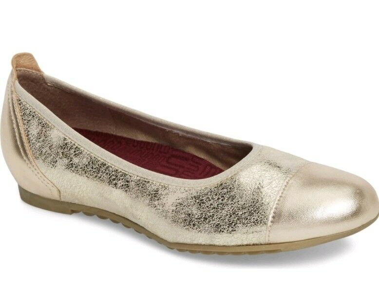 MUNRO Henlee Cap Flats Platinum Shimmer Leather Closed Toe shoes Women's 7M