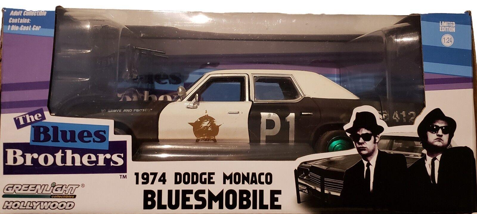Máquina verde verdeLight Chase 84011 1974 Dodge Monaco s azulsmobile escala 1 24