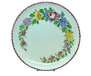 Gmundner-Keramik-Teller-mit-Blumenmuster