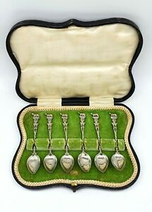 Antique-Victorian-Italian-made-silver-plated-spoon-set-in-original-box