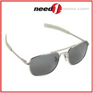 HUMVEE-Polarized-Bayonette-Style-Pilot-Sunglasses-w-Gray-Lens-amp-Silver-Frame