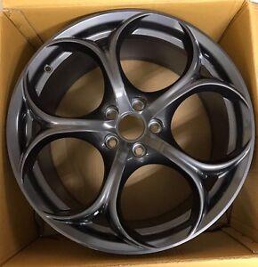Original-Alfa-Romeo-Giulia-Quadrifoglio-Felge-Wheel-Rim-Cerchio-NEW-8-5x19-ET-34