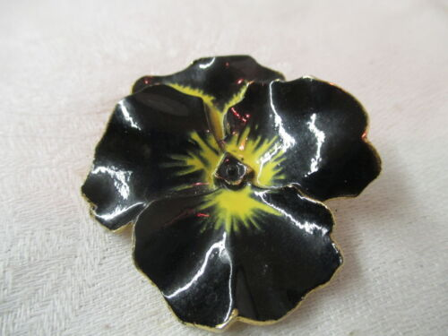 Vintage gold tone Brooch Pin black & yellow Ename… - image 1