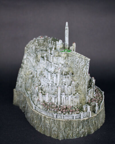 Lord-of-The-Rings-Minas-Tirith-Capital-of-Gondor-Ashtray-Model-Statue-NEW