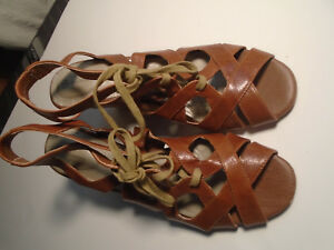 Giani-Bernini-Womens-Sandals-Sz-9-Brn-Soft-Wedge-High-Heel-Lace-up
