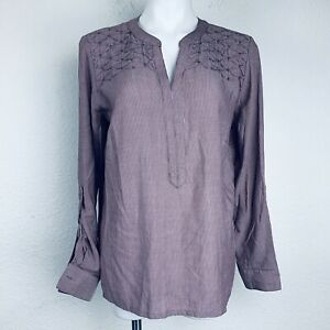 BANDOLINO Cabernet Fig Striped Women Shirt. Size M. New With Tags