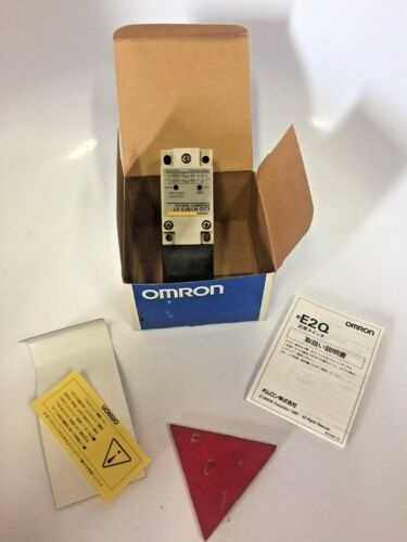 OMRON E2Q-N15F3-51 PROXIMITY SWITCH NEW IN THE BOX WITH PAPERWORK