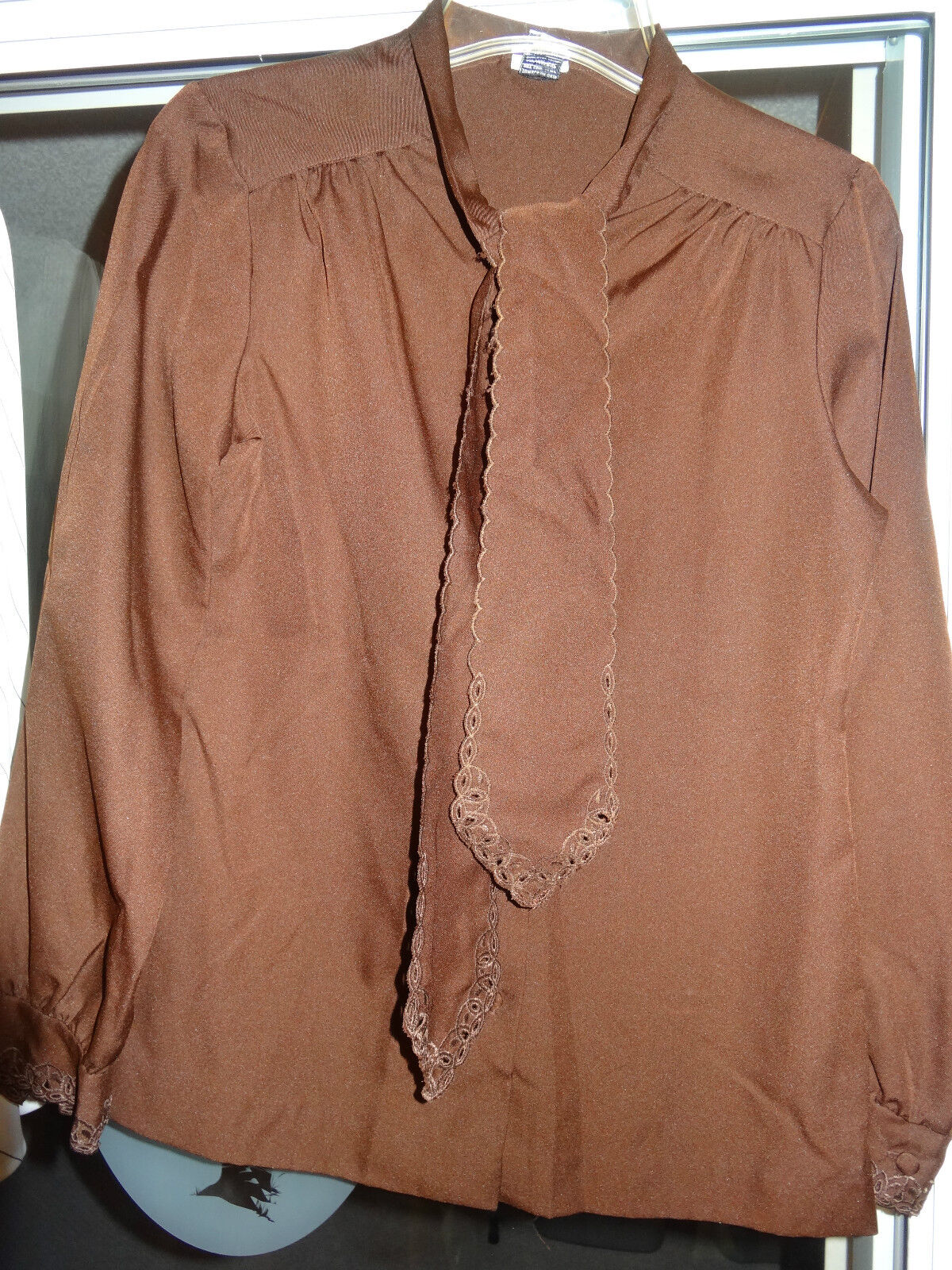 DIVISION II Ladies Womens Long Sleeve Button Down Blouse Top Size 8 Brown