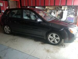 2009 kia spectra 5,  SE edition.  only 158300 km!!  automatic