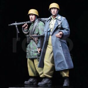 1-35-Resin-Italian-Soldier-2-Figures-Marching-Unassembled-Unpainted-BL896
