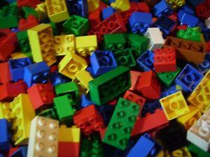 Lego-Duplo-56-Bausteine-4-8-Noppen-bunt-gemischt-in-verschiedenen-Farben