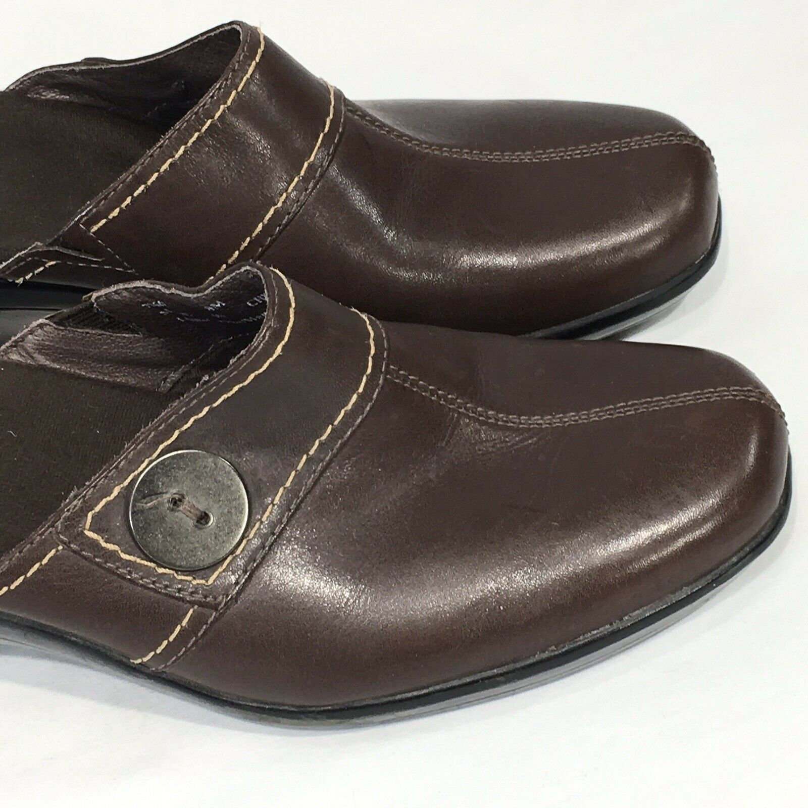 Clarks Clogs Mules shoes Women's Sz 9 M Brown Leather Comfort Slip On