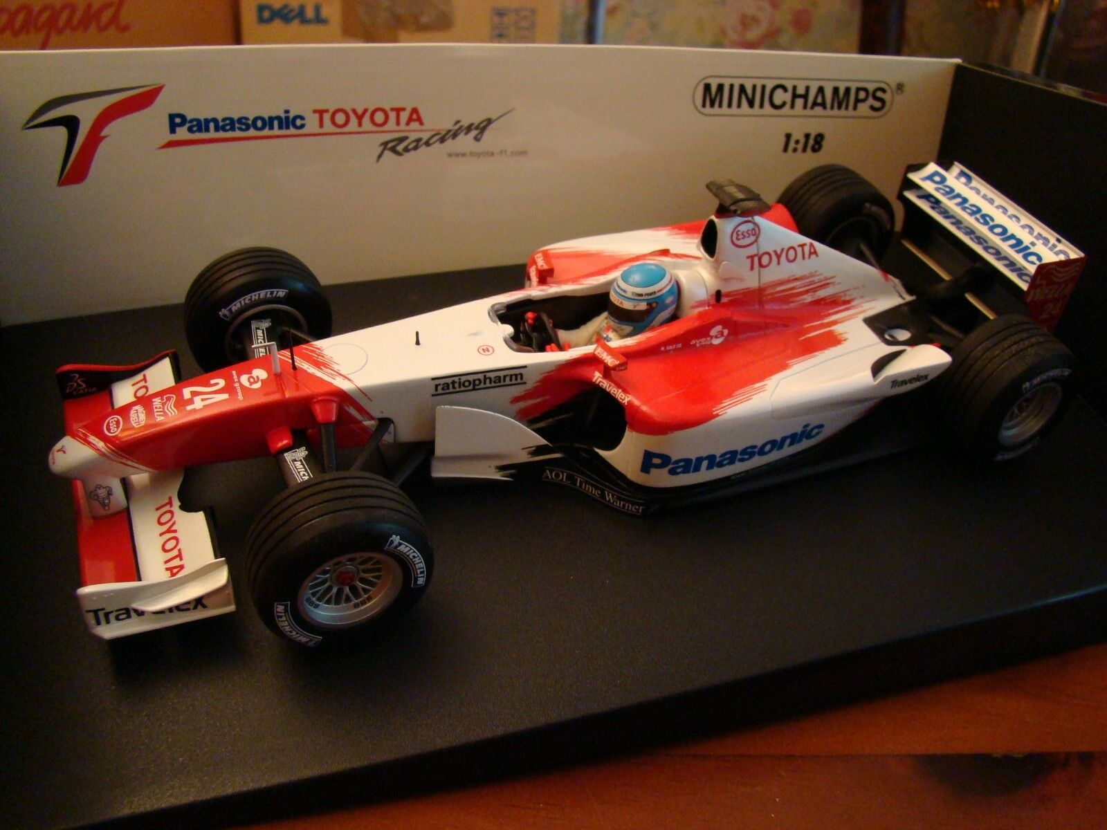 1 18 Panasonic Toyota Racing F1 Formula One M Salo TF102 2002 RVX-02 Minichamps