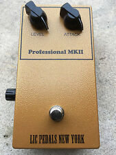 LIC Pedals Professional MKII (Tonebender Reproduction with Mullard OC75's) Video