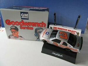 1:24 SCALE DALE EARNHARDT 3 GOODWRENCH 1995 25TH ANNIVERSARY WINSTON BANK