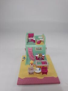 Polly-Pocket-Beach-Cafe-with-2-Dolls-1993-Bluebird-Pollyville-Toy-Read