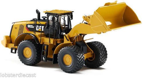 CAT 982M Wheel Loader  NORSCOT#55292 1:50 scale Replica
