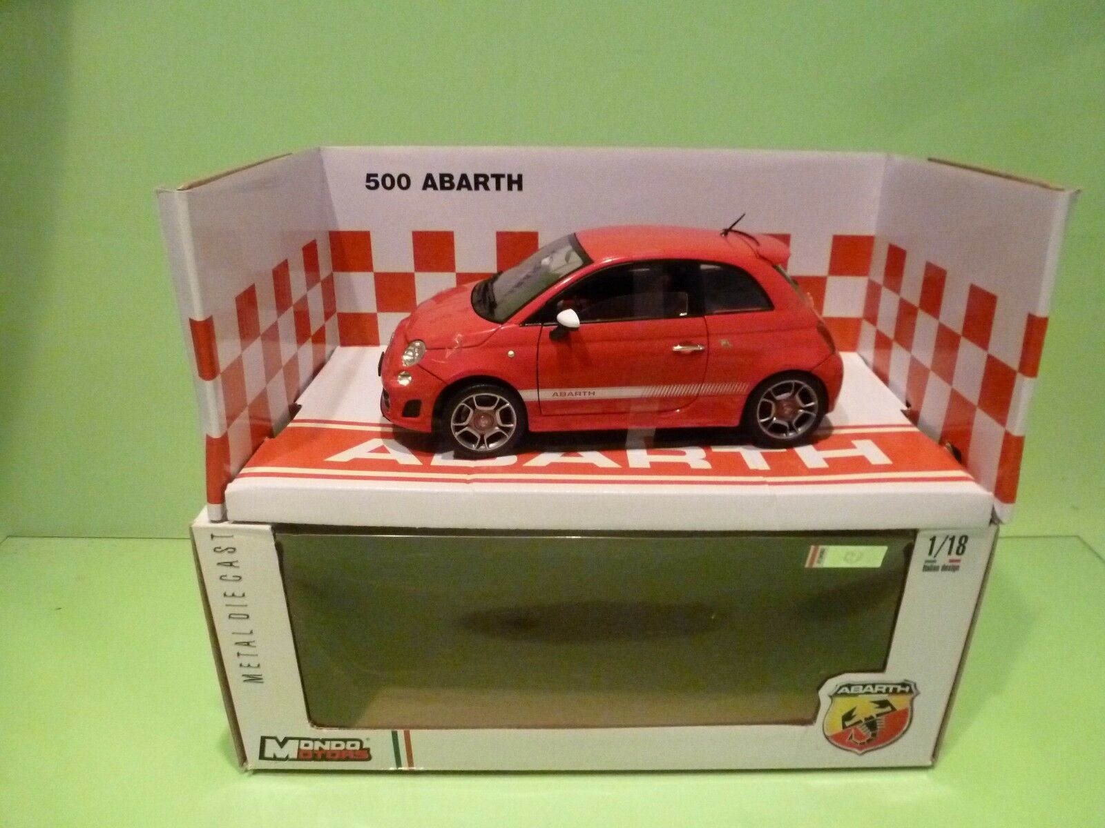 MONDO MOTORS ZT24767 ( FIAT ) ABARTH 500 -  rot 1 18 - NEAR MINT IN BOX