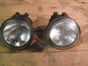 Renault Clio Mk2 1998-2001 Front Fog Light Lamp Pair Left /& Right