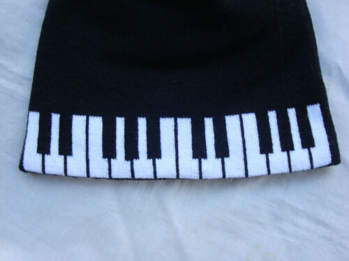 PIANO Keyboard Beanie Knit Acrylic//Spandex Great Music Gift Cute NWT