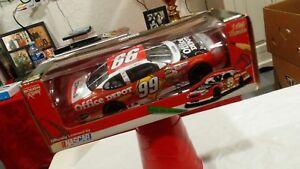 CARL-EDWARDS-99-NASCAR-DIECAST-1-24-OFFICE-DEPOT-RACE-CAR-LIMITED-EDITION-2005
