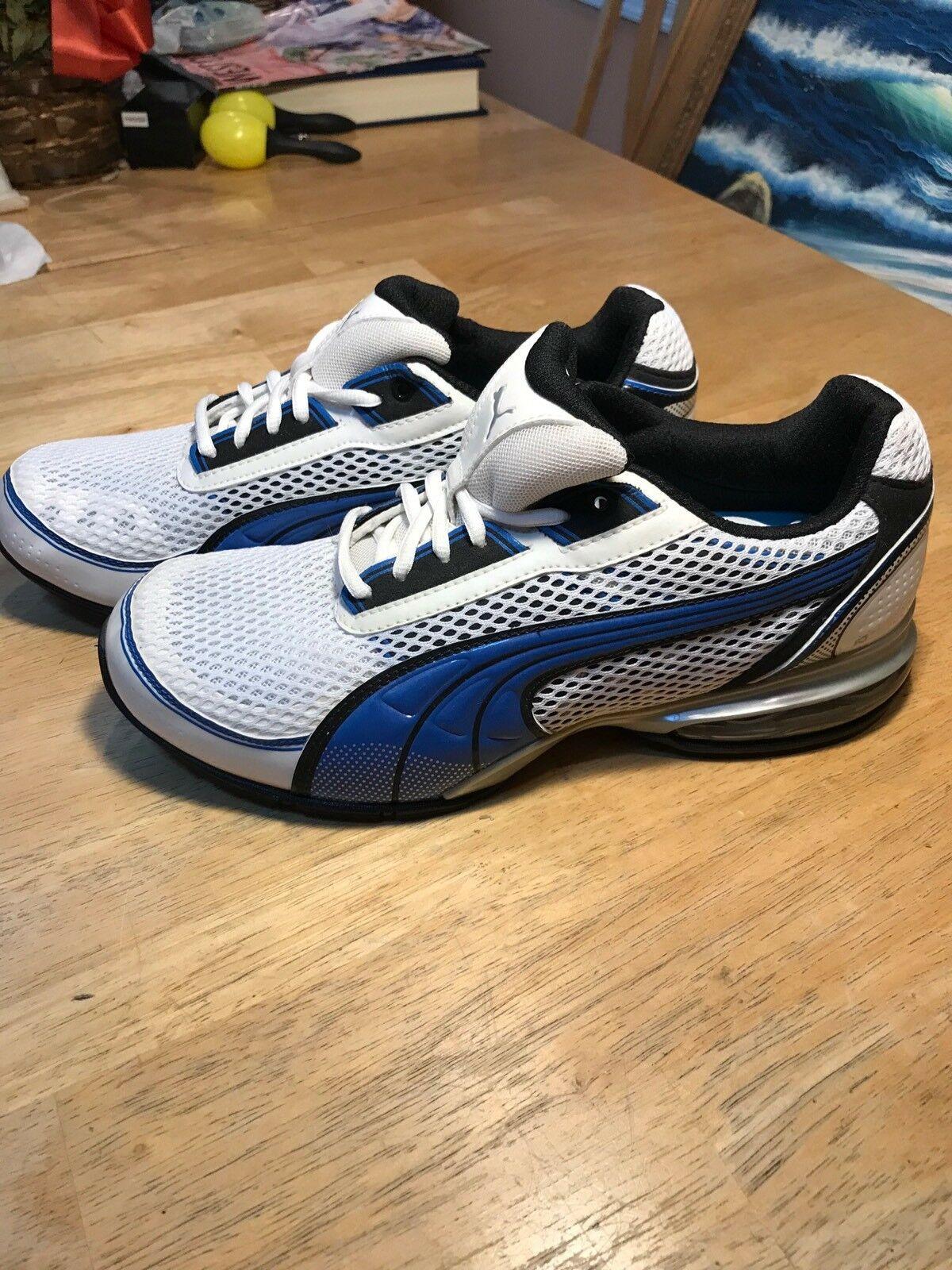 New PUMA Running shoes, Size 9