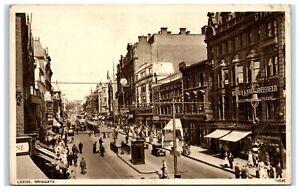 Vintage-Picture-Postcard-Briggate-Leeds-Yorkshire