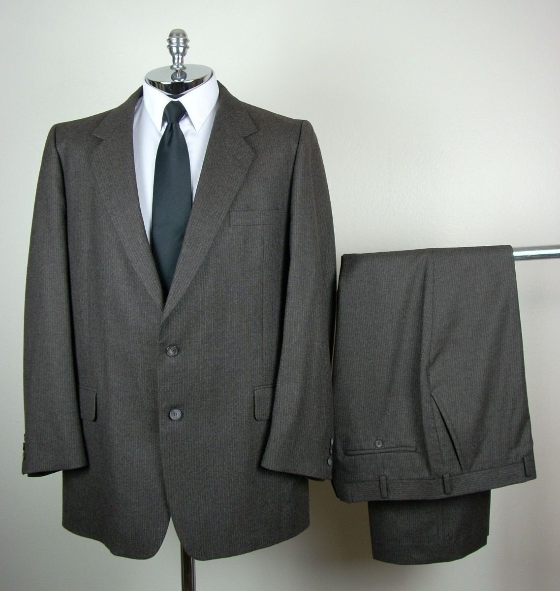Unbranded Mens Dark Brown PURE WOOL Two Button Pinstripe Suit size 41 L